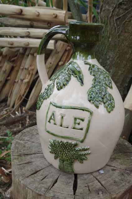 hop decorated pottery