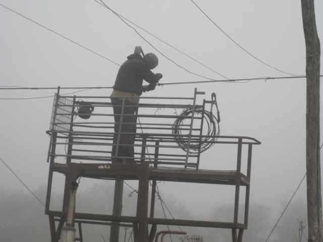 tightening hop wires